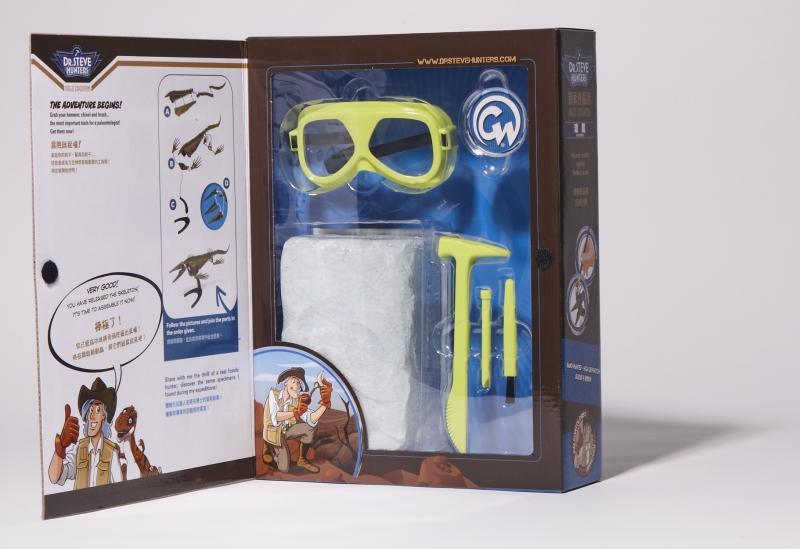 誠品生活信義店|石尚自然探索屋|古生物挖掘系列禮盒|推薦價450-1,250元。