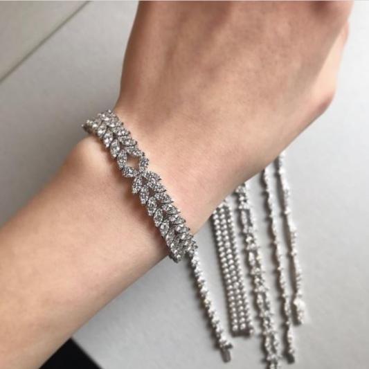 講究多層次搭配的鑽石手鍊