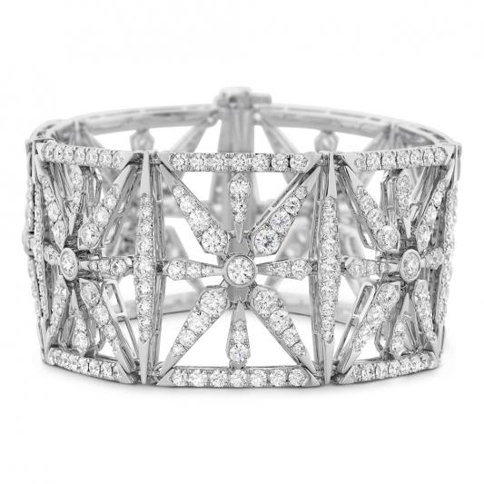 Triplicity幾何圖騰鑽石手環_18K白金_鑽石總重22.5克拉_售價 NT$3,410,000元起