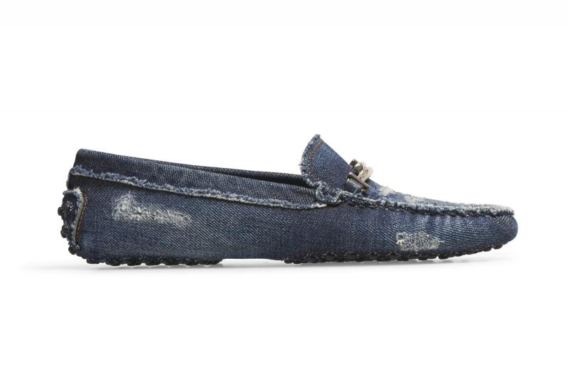 丹寧Double T豆豆女鞋-NT$22,200。