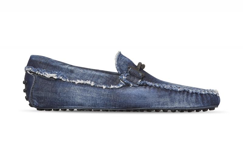 丹寧Double T豆豆男鞋-NT$23,100。