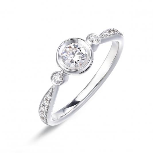 點睛品 Infini Love Diamond 「Iconic 系列」18K白金鑽石戒指-主石50分NT$165,400起