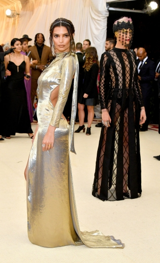 Emily Ratajkowski In Marc Jacobs