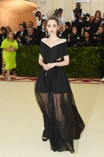 Lily Collins In Givenchy ss18 couture
