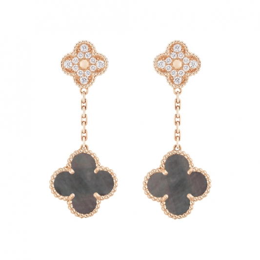 Magic Alhambra耳環 2枚墜飾,玫瑰金,灰色珍珠貝母,圓形鑽石;DEF、IF至VVS級鑽石。 建議售價: 約新台幣479,000元