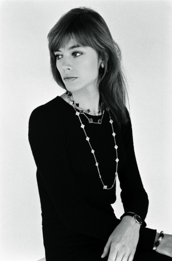 1973 Francoise Hardy_sautoirs Alhambra montre extra plate_photo by Cathe...