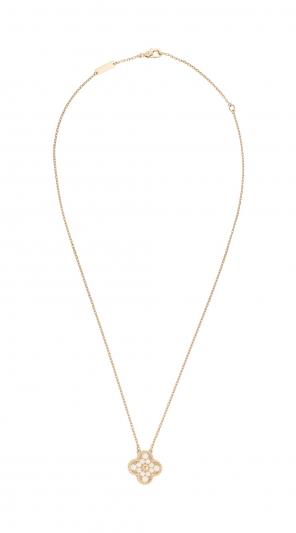 Vintage Alhambra 吊墜 玫瑰 金,圓形鑽石; DEF 、IF 至 VVS 級鑽石。建議售價 : 約新台幣 228,000元