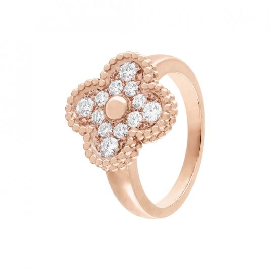 Vintage Alhambra 戒指 玫瑰金,圓形鑽石; DEF 、IF 至 VVS 級鑽石。 建議售價 : 約新台幣 195,000元