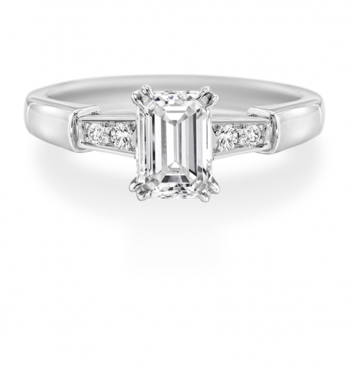海瑞溫斯頓Tryst祖母綠式切工鑽石戒指
