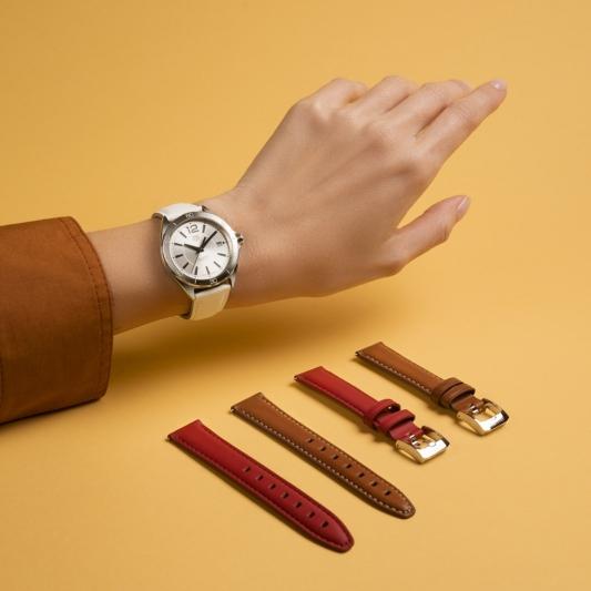 全新TAG Heuer Formula 1 Lady腕錶搭配可換式錶帶