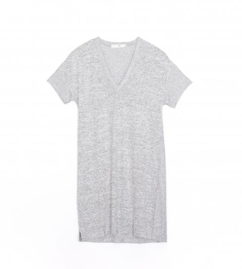 下擺開衩V領短袖針織洋裝,Rag & Bone,NT8,000。