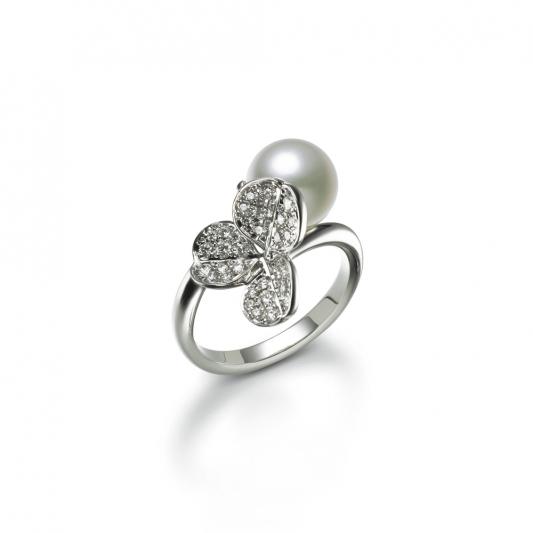 MIKIMOTO Fortune Leaves Collection 日本Akoya珍珠鑽石戒指 建議售價:NT$177,000