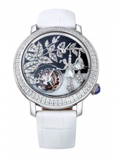 Boucheron 的 Eprue系列- Fuchsia吊鐘花陀飛輪腕錶 白金材質錶殼鑲嵌總重5.45克拉鑽石 錶徑43毫米 砂金石與珍珠母貝錶盤 白色鱷魚皮錶帶
