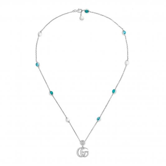 2018 GG Marmont系列銀飾_純銀花朵與G字項鍊,搭配珍珠&拓帕石&土耳其藍色樹脂,NT22,400。