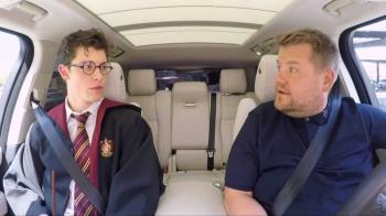 不愧是全民男友!小鮮肉尚恩曼德斯Shawn Mendes登上「行動卡拉OK」,巧扮哈利波特根本太萌太可愛