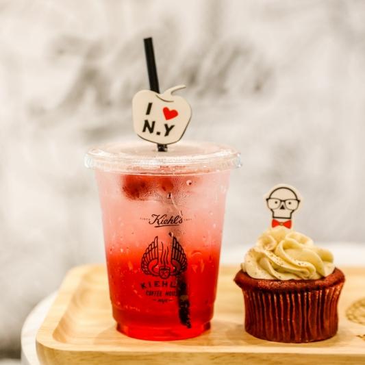 KIEHL'S COFFEE HOUSE覆盆子草莓氣泡飲+紅絲絨杯子蛋糕