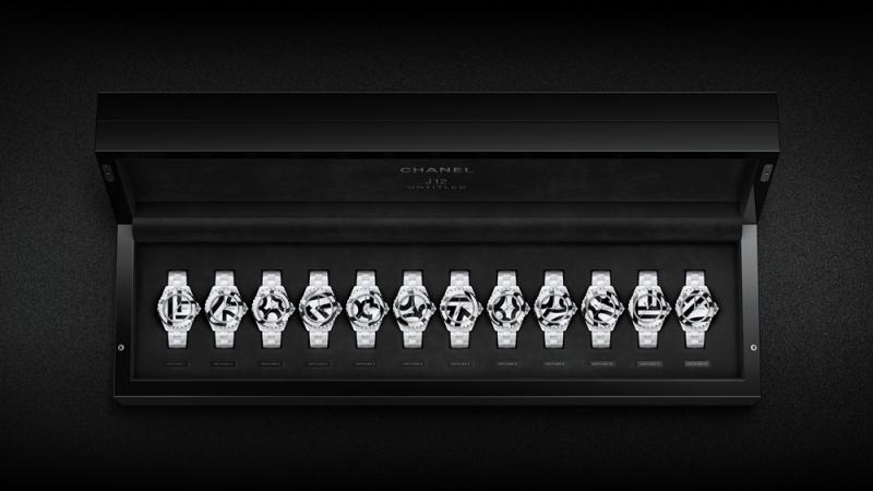 限量一組12款的套錶,亮點在於這是品牌首度以馬賽克技法,交錯地鑲嵌黑與白色高科技精密陶瓷,每一只腕錶各於錶盤與錶圈上,破格地呈現時標數字1到12的部分角度