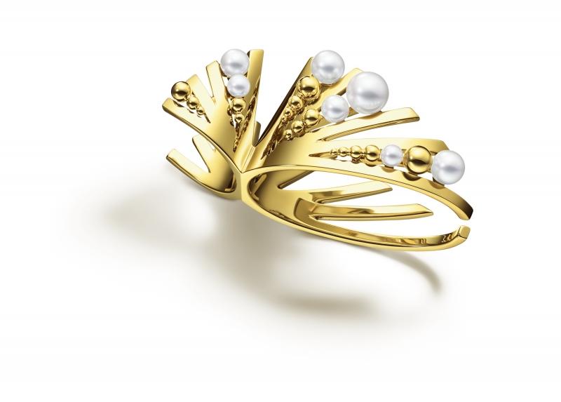 M/G TASAKI GRAIN 珍珠黃K金指間戒,18K黃金、淡水珍珠,NT379,000。