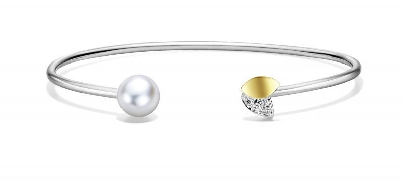 M/G TASAKI FLORET 鑽石珍珠手環,18K黃金、18K白金、鑽石、阿古屋珍珠,NT93,000。