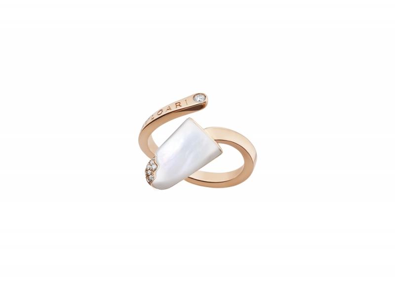 BVLGARI BVLGARI Gelati系列珍珠母貝及鑽石玫瑰金戒指_參考價格約 TWD 68,000元
