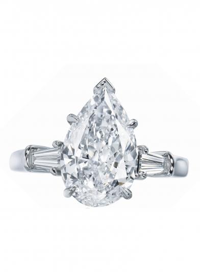 海瑞溫斯頓經典水滴型切工鑽石戒指