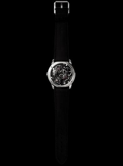 香奈兒高級珠寶暨腕錶:建議售價總價共NTD13,583,000元–MONSIEUR DE CHANEL腕錶限量發行100枚。直徑40毫米。厚度10毫米。鉑金錶殼。鍍銠指針。黑色大明火琺瑯錶盤及逆跳分鐘盤,跳時顯示窗及小秒盤。黑色鱷魚皮錶帶。Calibre1 瞬間跳時:手動上鍊機械機芯搭載雙重複雜功能機制:瞬間跳時及240°逆跳分鐘。。功能:時、分、小秒盤。3天動力儲存。防水深度:30米。鉑金重量:68克。建議售價NTD2,021,000元