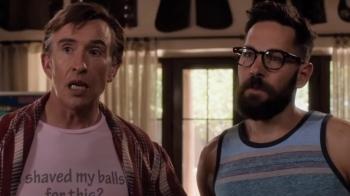 身邊的同志情侶就是這樣愛鬥嘴!「蟻人」保羅路德卸下英雄裝,新片《兩個爸爸》化身粗曠同志型男