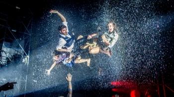 全球超過六百萬人朝聖、巡迴58座城市!打破劇場與派對界線的瘋狂演出《極限震撼 FUERZA BRUTA》