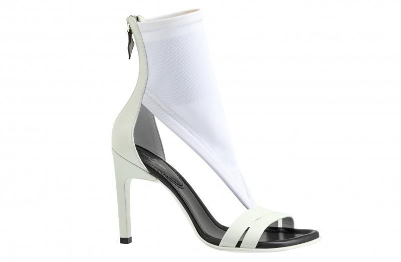 彈性面料露趾低跟鞋,Louis Vuitton,價格電洽。