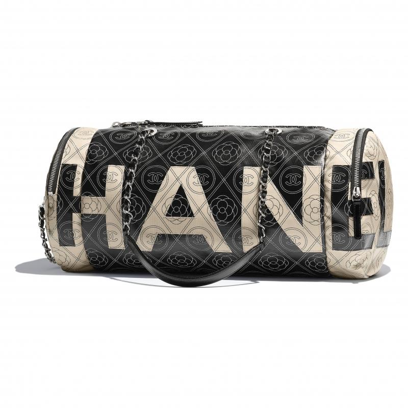 黑米色印花拼接皮革保齡球包,Chanel,NT100,200。