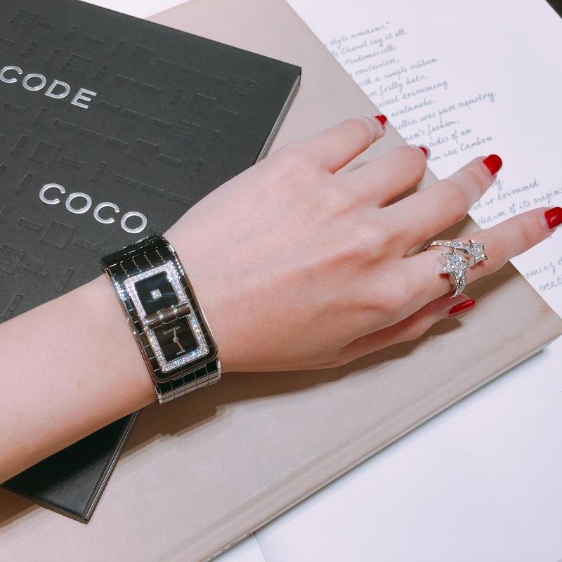 編輯試戴全新 Code Coco 腕錶