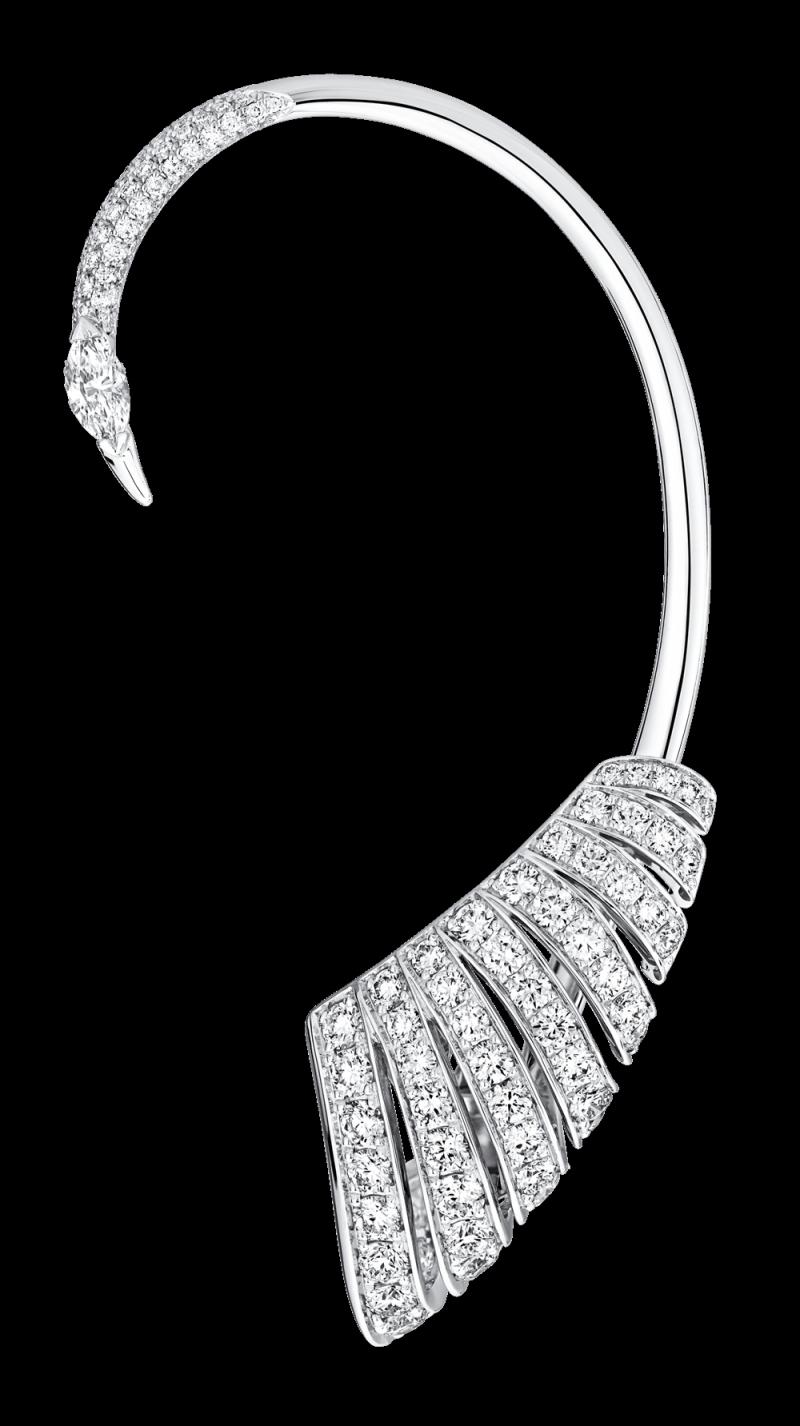 Piaget Sunlight Escape系列Graceful Ballet Ear 主題耳環18K白金,鑲嵌1顆馬眼形切割美鑽約0.23克拉以及102顆明亮式切割美鑽約2.37克拉 台幣參考售價1,590,000 元