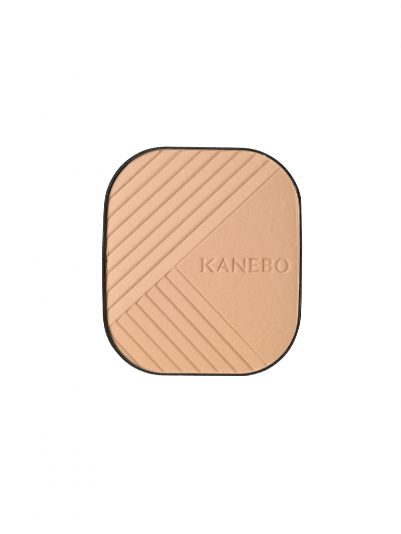 KANEBO 柔紗光感粉餅 SPF6・PA++,NT3,350(蕊) OCC