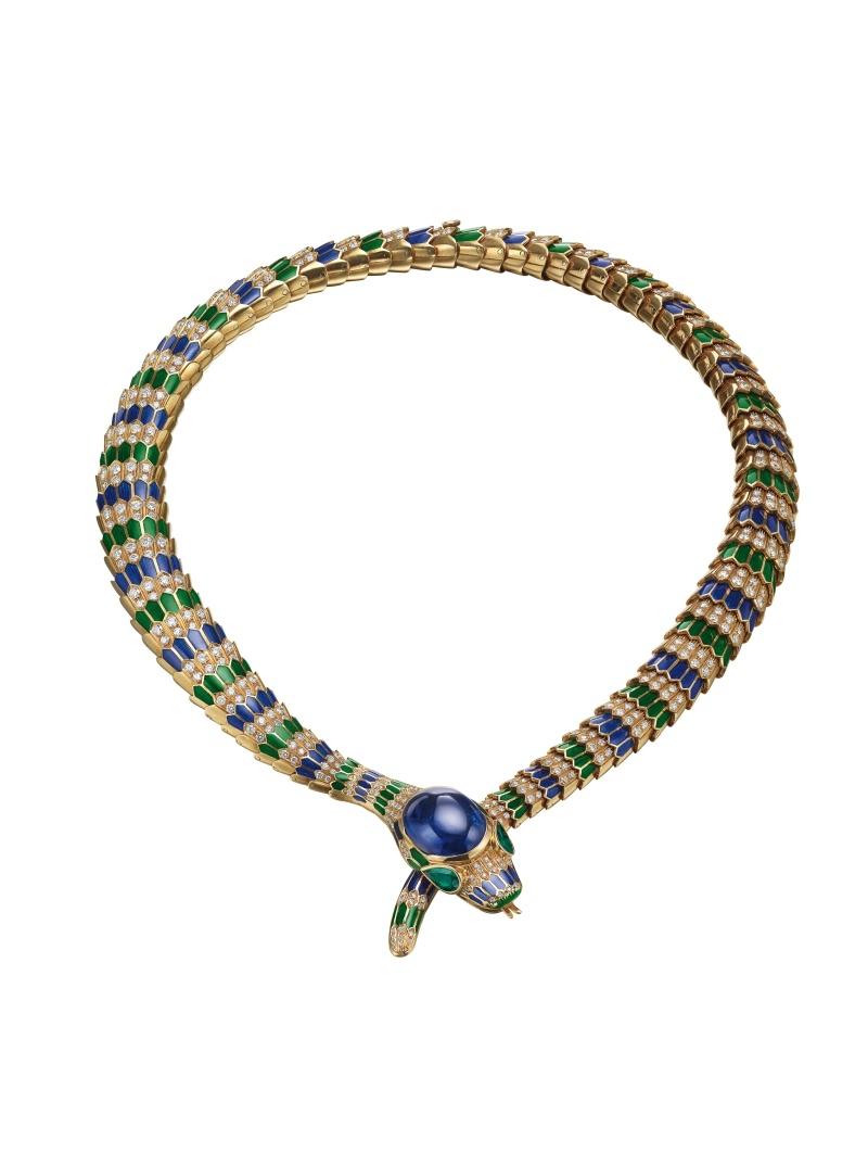 BVLGARI Hertaige典藏系列 黃金雙色琺瑯藍寶石鑲鑽項鍊,創作時間為1990年