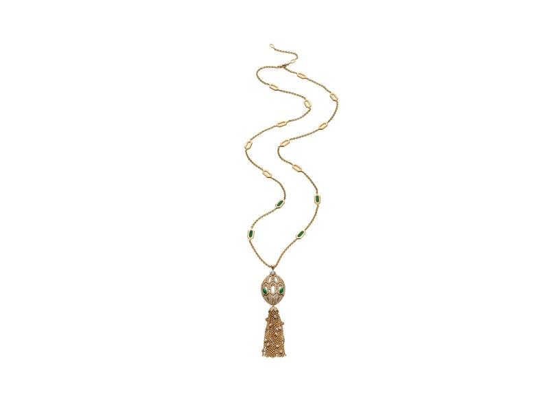 BVLGARI SERPENTI系列 黃K金孔雀石鑽石項鍊,參考售價約NT1,784,000