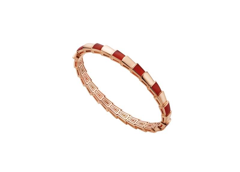 BVLGARI SERPENTI系列 VIPER BRACELET玫瑰金紅玉髓手環,參考售價約NT284,500