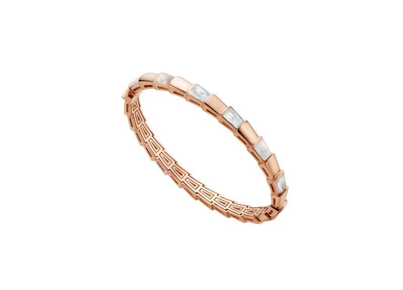 BVLGARI SERPENTI系列 VIPER BRACELET玫瑰金鑽石手環,參考售價約NT268,700