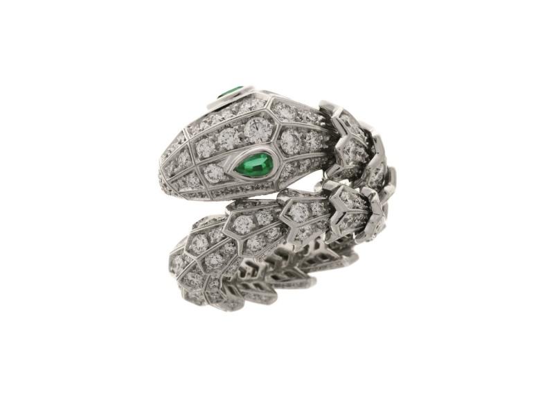 BVLGARI SERPENTI系列祖母綠與鑽石戒指,參考售價約NT1,207,000