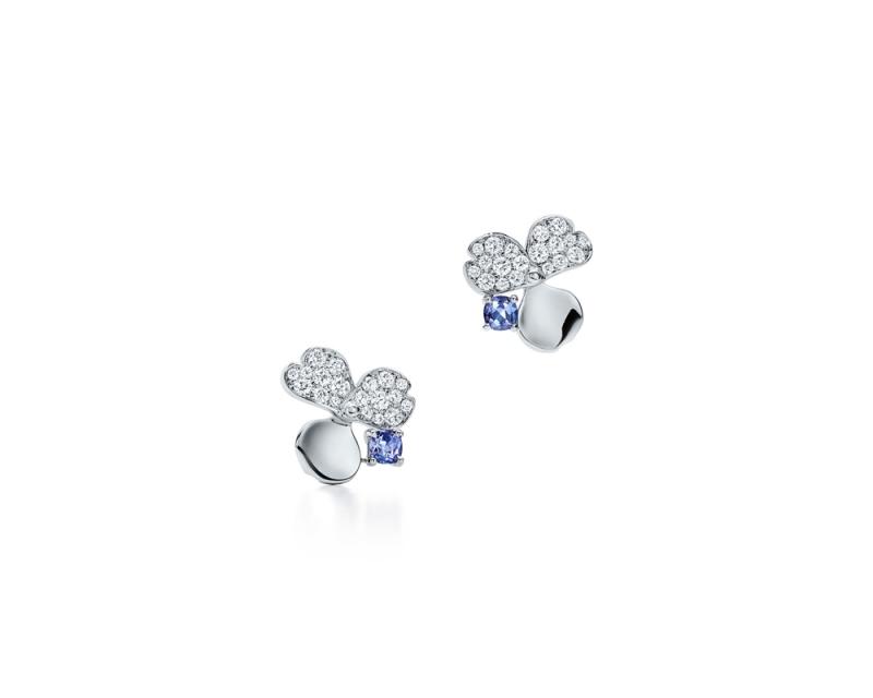 Tiffany Paper Flowers 系列 - 花瓣設計鉑金鑲嵌鑽石與丹泉石耳環 NT$203,000