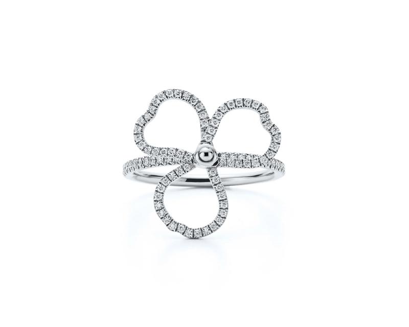 Tiffany Paper Flowers 系列 - 鏤空花瓣設計鉑金鑲鑽戒指 NT$200,000