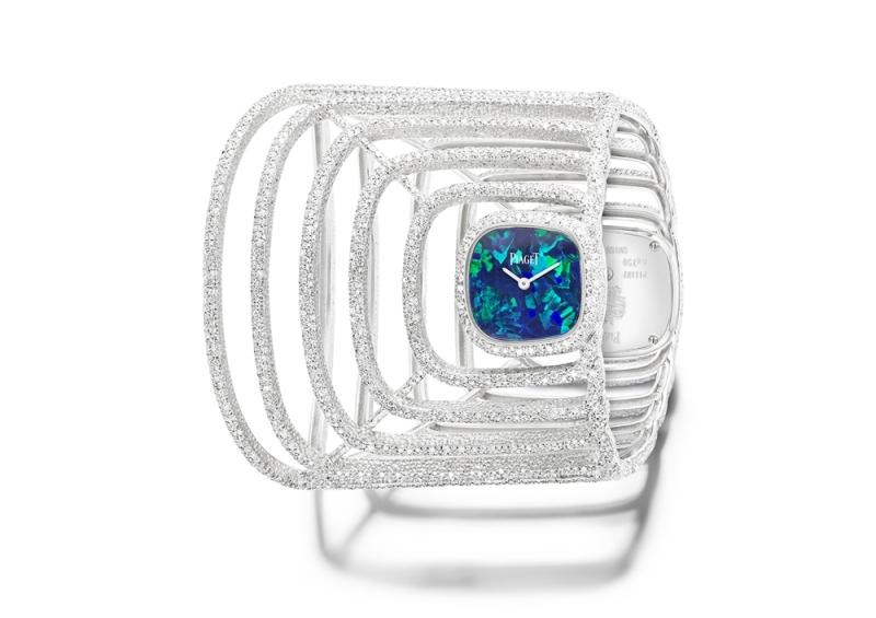 (現代款) Limelight高級珠寶系列鑲鑽手鐲腕錶 18K白金,雙重錶殼共鑲嵌472顆美鑽(約3.74克拉) 蛋白石與黑瑪瑙錶盤 手鐲鑲嵌1536 顆美鑽 (約7.92克拉) 搭載伯爵製56P石英機芯 靈感來自1970年代古董手鐲腕錶 獨一無二作品 可雙面配戴G0A39223台幣參考價格7,350,000