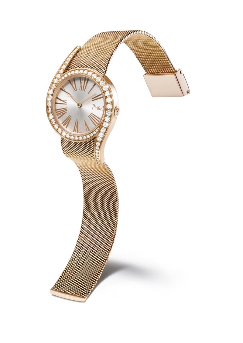 (現代款) Limelight Gala 系列腕錶 32mm,18K玫瑰金 錶殼鑲嵌62顆圓形美鑽 (約1.76克拉) 錶盤搭配金色羅馬數字時標 搭載伯爵製690P石英機芯 18K玫瑰金米蘭網織鏈帶,配有伯爵首字母「P」字樣的滑釦 G0A41213台幣參考售價 1,240,000