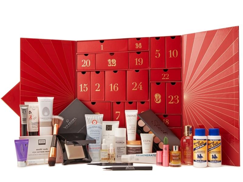 LOOKFANTASTIC璀璨馬戲團聖誕禮盒,NT3,350