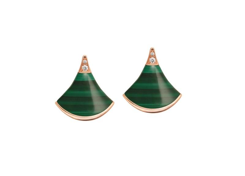BVLGARI DIVAS' DREAM系列孔雀石耳環,參考售價約新台幣68,900元。