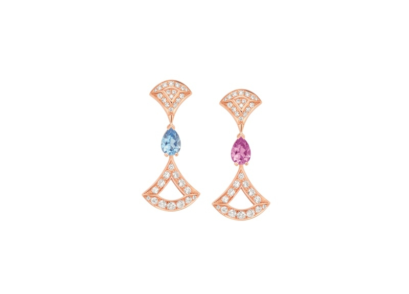 BVLGARI DIVAS' DREAM系列玫瑰金紅碧璽、藍色拓帕石與鑽石耳環,參考售價約新台幣331,900元。