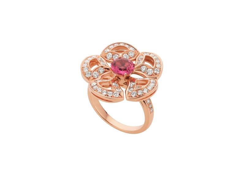 BVLGARI DIVAS' DREAM系列玫瑰金粉紅碧璽戒指,參考價格約新台幣252,900元。