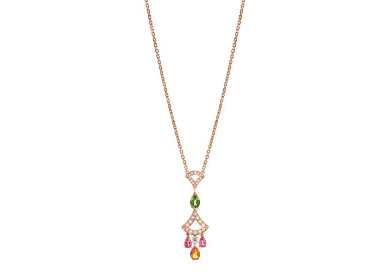 BVLGARI DIVAS' DREAM系列玫瑰金彩寶項鍊,參考價格約新台幣252,900元。