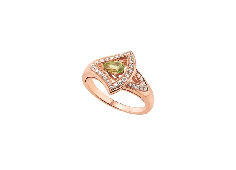 BVLGARI DIVAS' DREAM系列玫瑰金綠碧璽戒指,參考價格約新台幣139,100元。