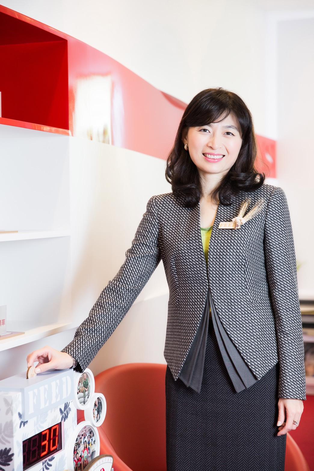 現任克蘭詩台灣分公司總經理暨負責人 Kathy CHEN