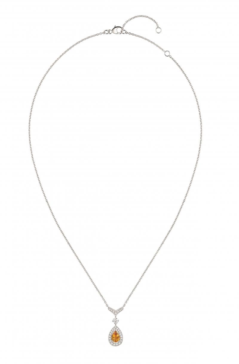 Joséphine Aigrette 18K白金黃水晶吊墜 • 鑲嵌一顆 0.6 克拉梨形黃水晶 • 建議售價: TWD 187,000 • Reference: 083370